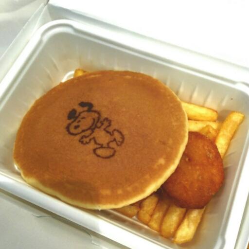 スヌーピーバックロットカフェのパンケーキ